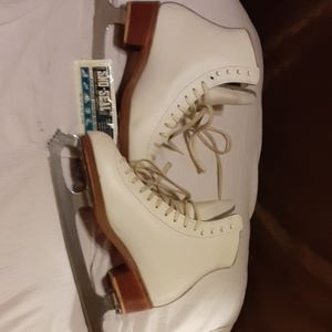 Total Competition Ladies Ice Skates
